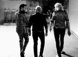 "Cover vom Queen + Adam Lambert Live-Album ""Live Around The World""."