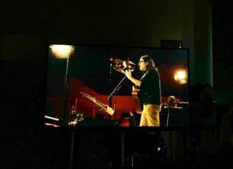 """Streaming-Konzert: Weezer spielen ihr orchestrales """"OK Human"""" in der opulenten Walt Disney Concert Hall in Los Angeles."""