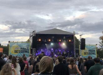 Endlich konnten die Giant Rooks bei den Jucy Beats Park Sessions auftreten. Autorin Emilia war dabei und berichtet von ihrer Erfahrung!